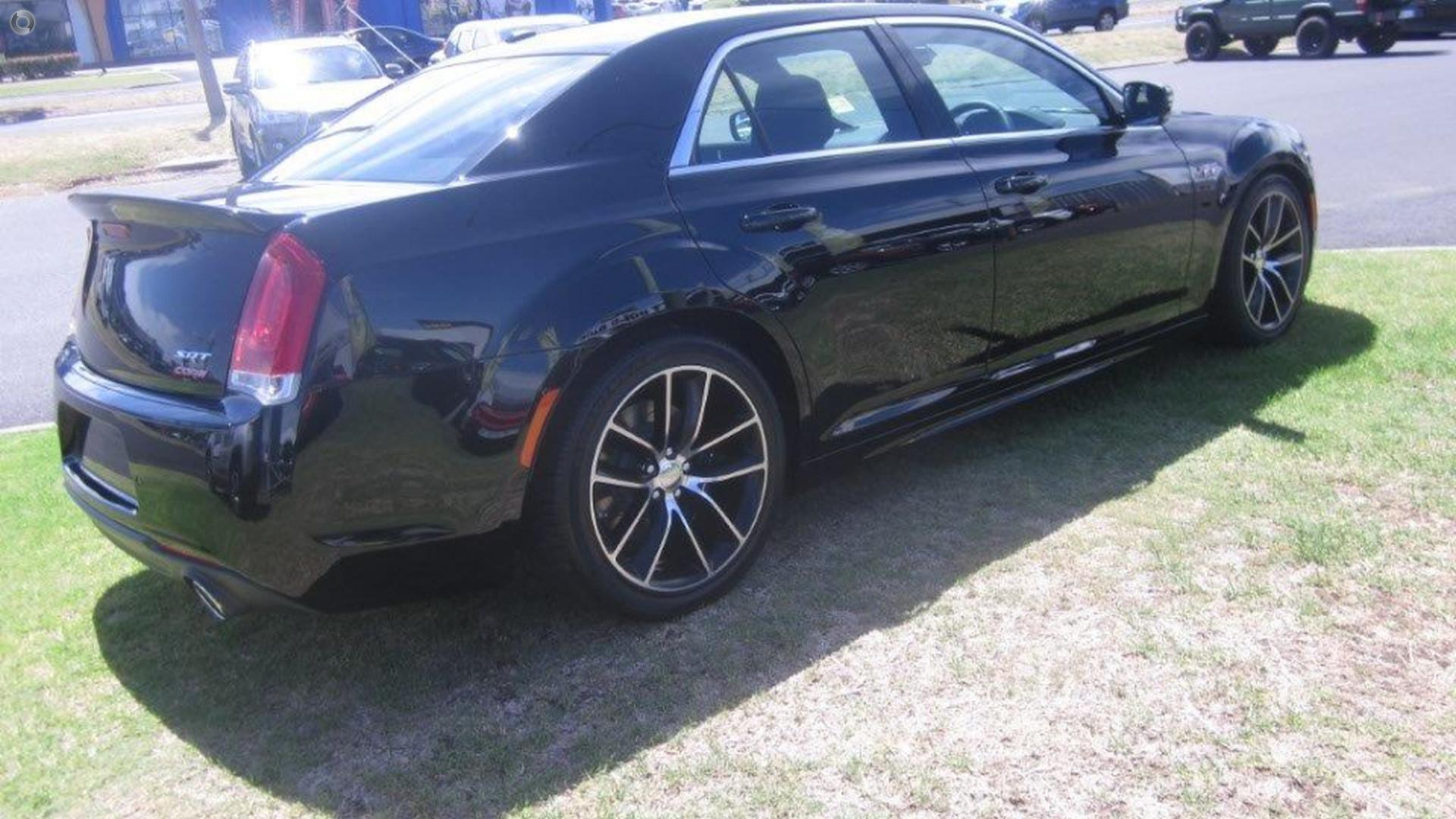 2017 Chrysler 300 SRT Core LX