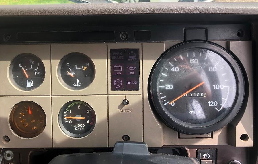 1986 Hino FD 176