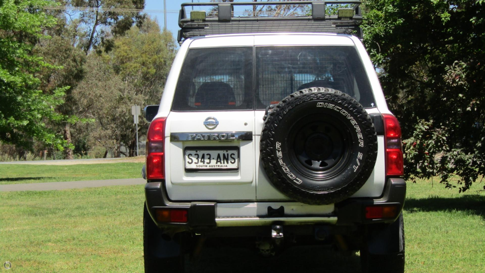 2009 Nissan Patrol DX GU 6