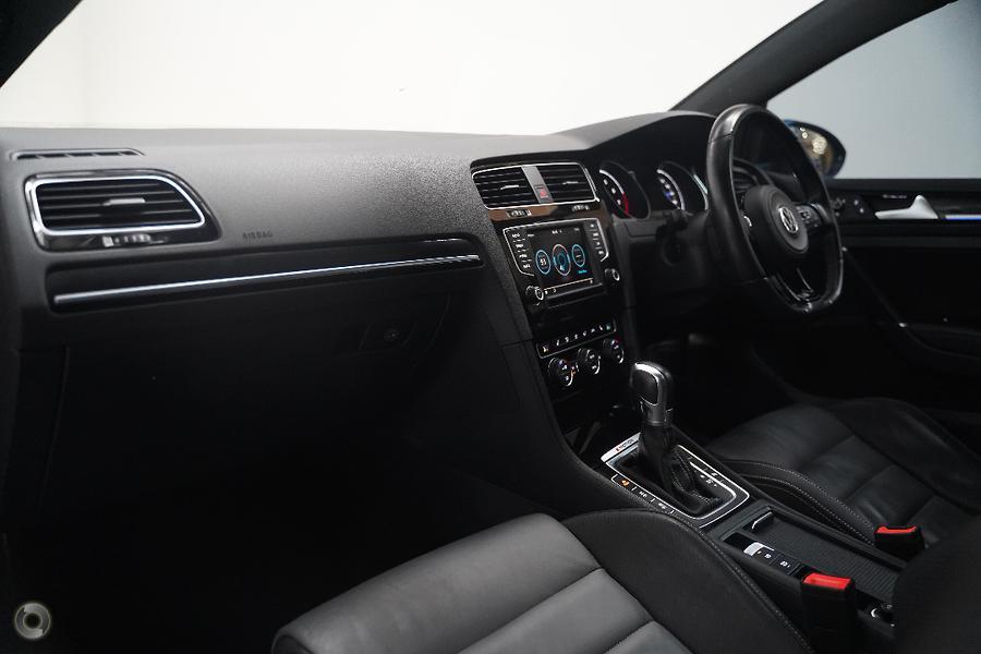 2015 Volkswagen Golf R Wolfsburg Edition 7