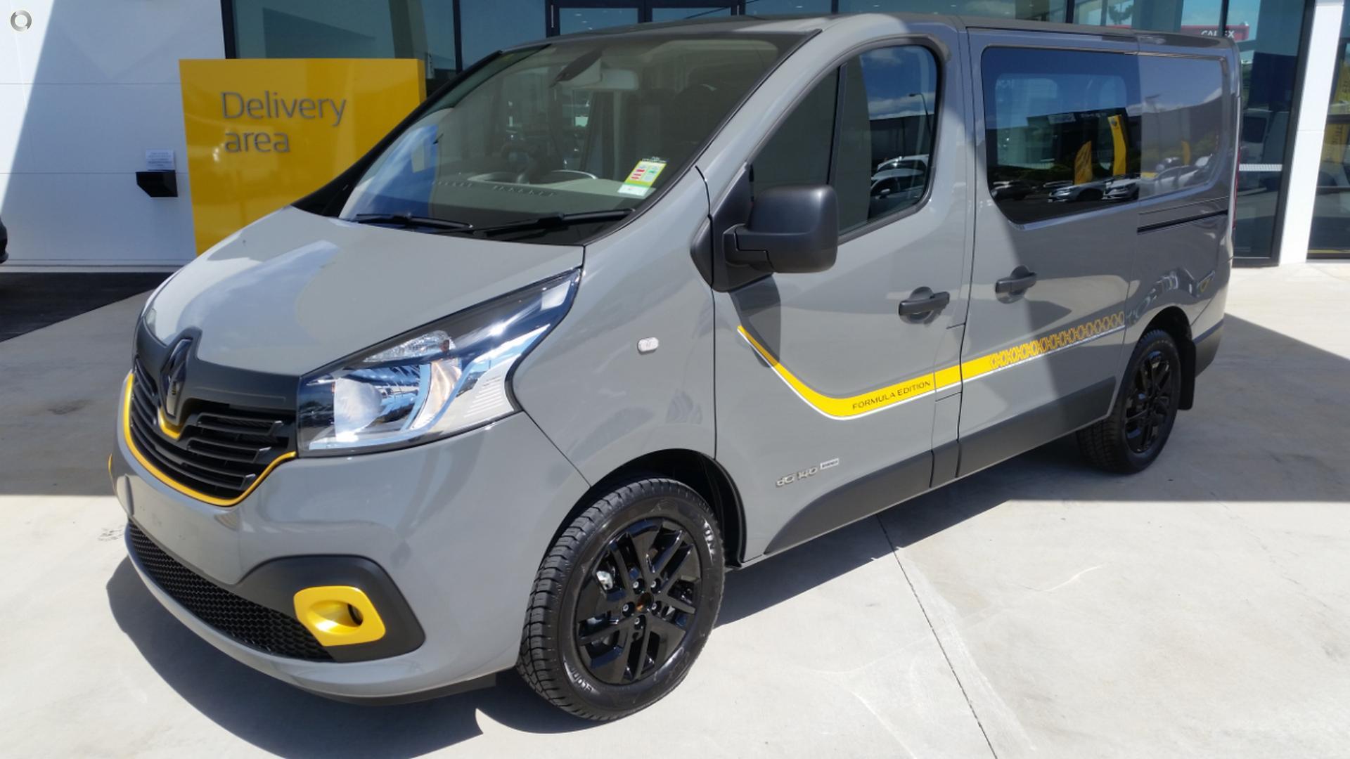 2017 Renault Trafic Formula Edition X82