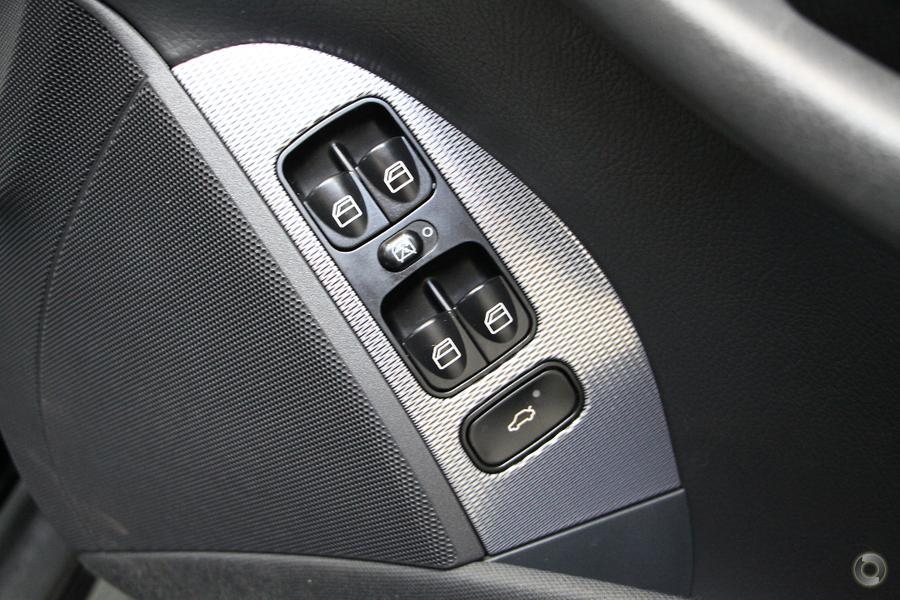 2003 Mercedes-Benz CLK320 Avantgarde C209