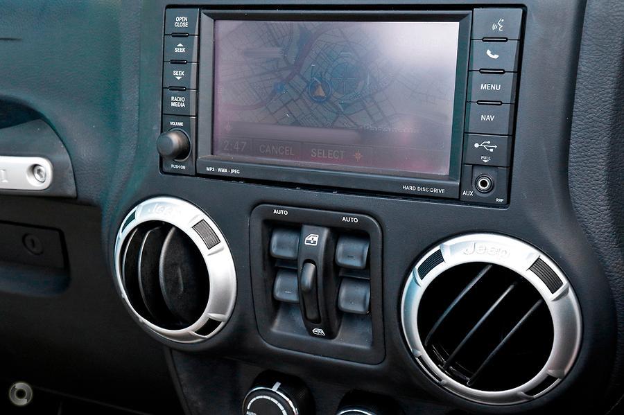 2012 Jeep Wrangler Unlimited Overland JK