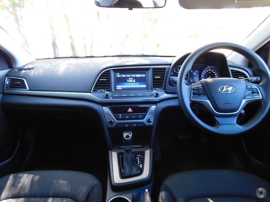 2017 Hyundai Elantra Active AD