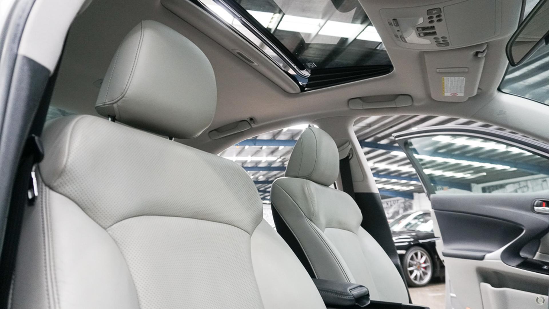 2010 Lexus IS350 Prestige GSE21R