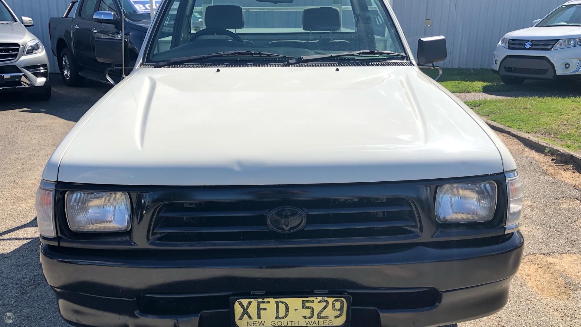 2001 Toyota Hilux  RZN149R