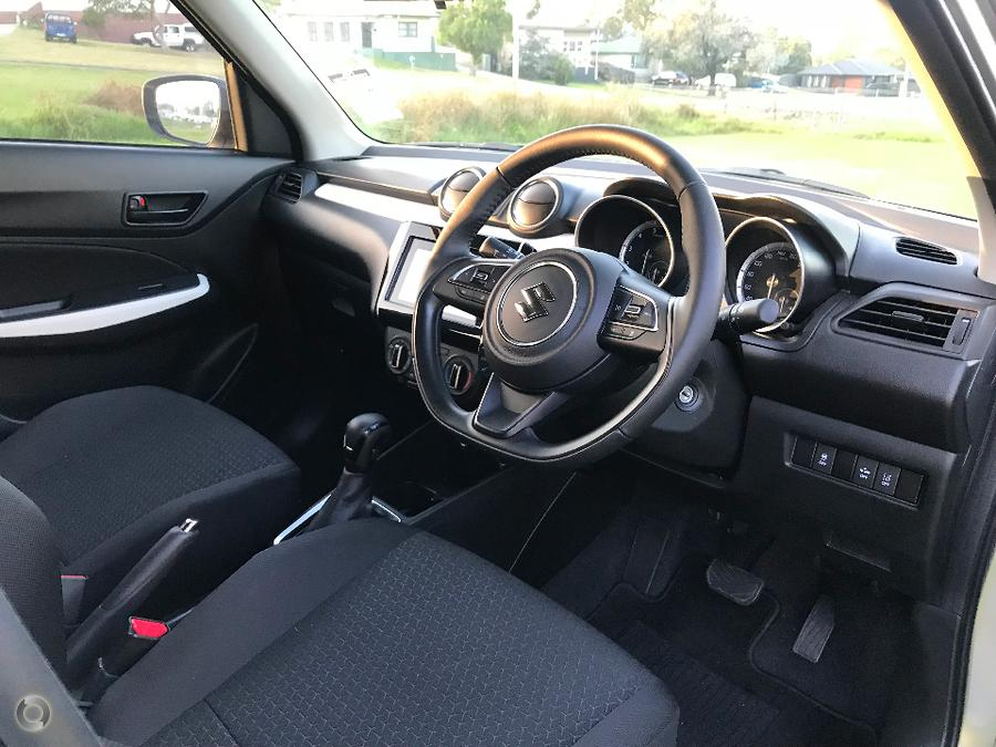 2017 Suzuki Swift GL Navigator Safety Pack AZ