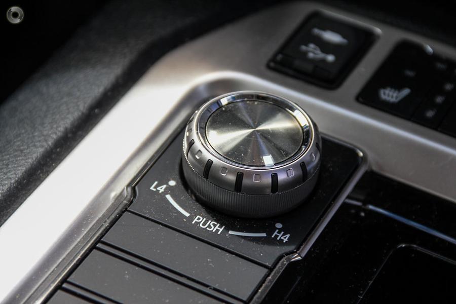 2017 Toyota Landcruiser Sahara VDJ200R