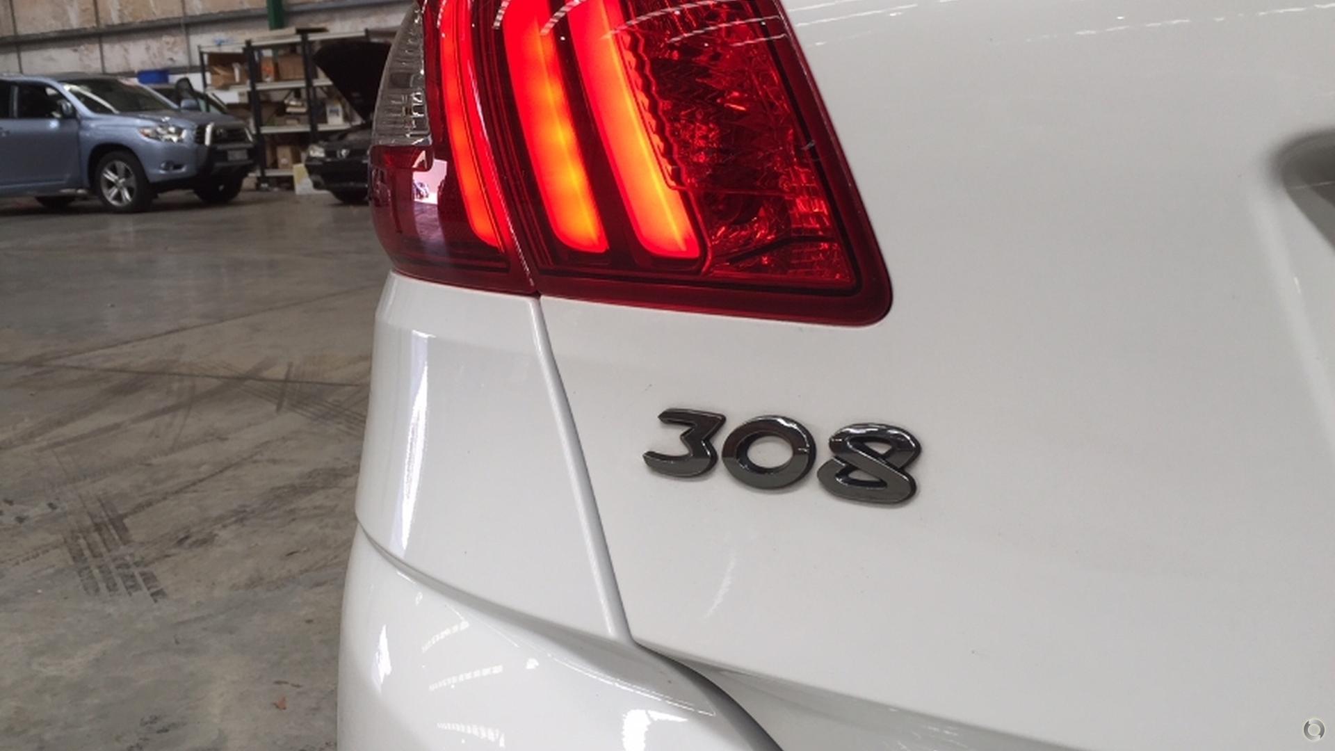 2015 Peugeot 308 Active T9
