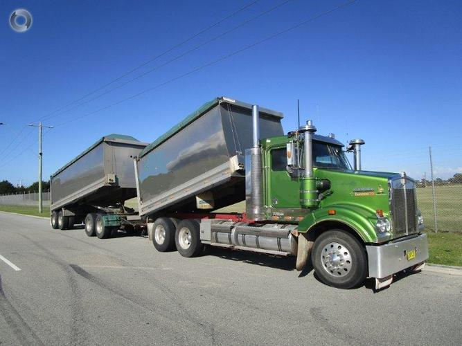 2008 Kenworth T408 SAR TRUCK & DOG