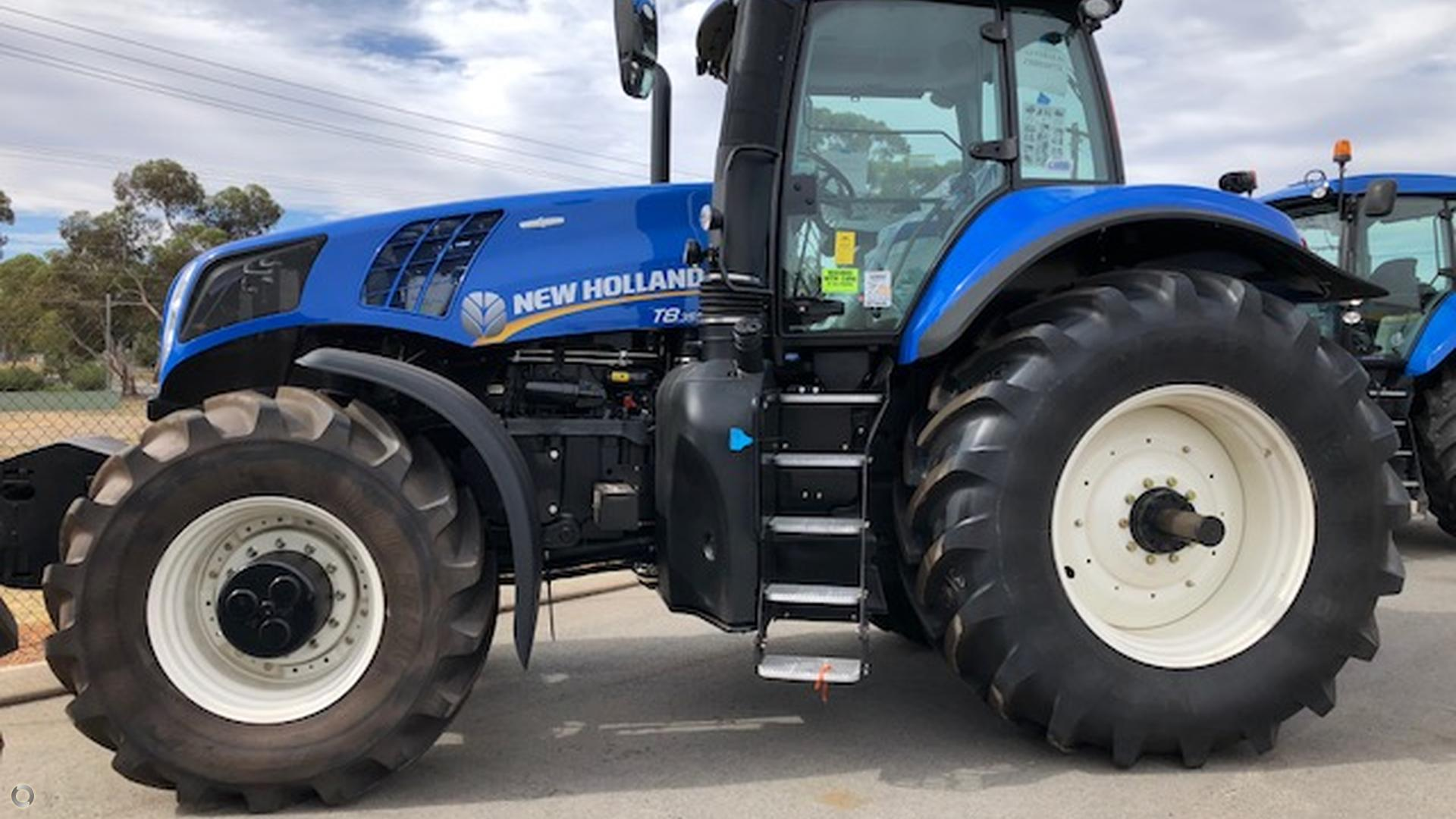 0 New Holland T8.350 Tractor