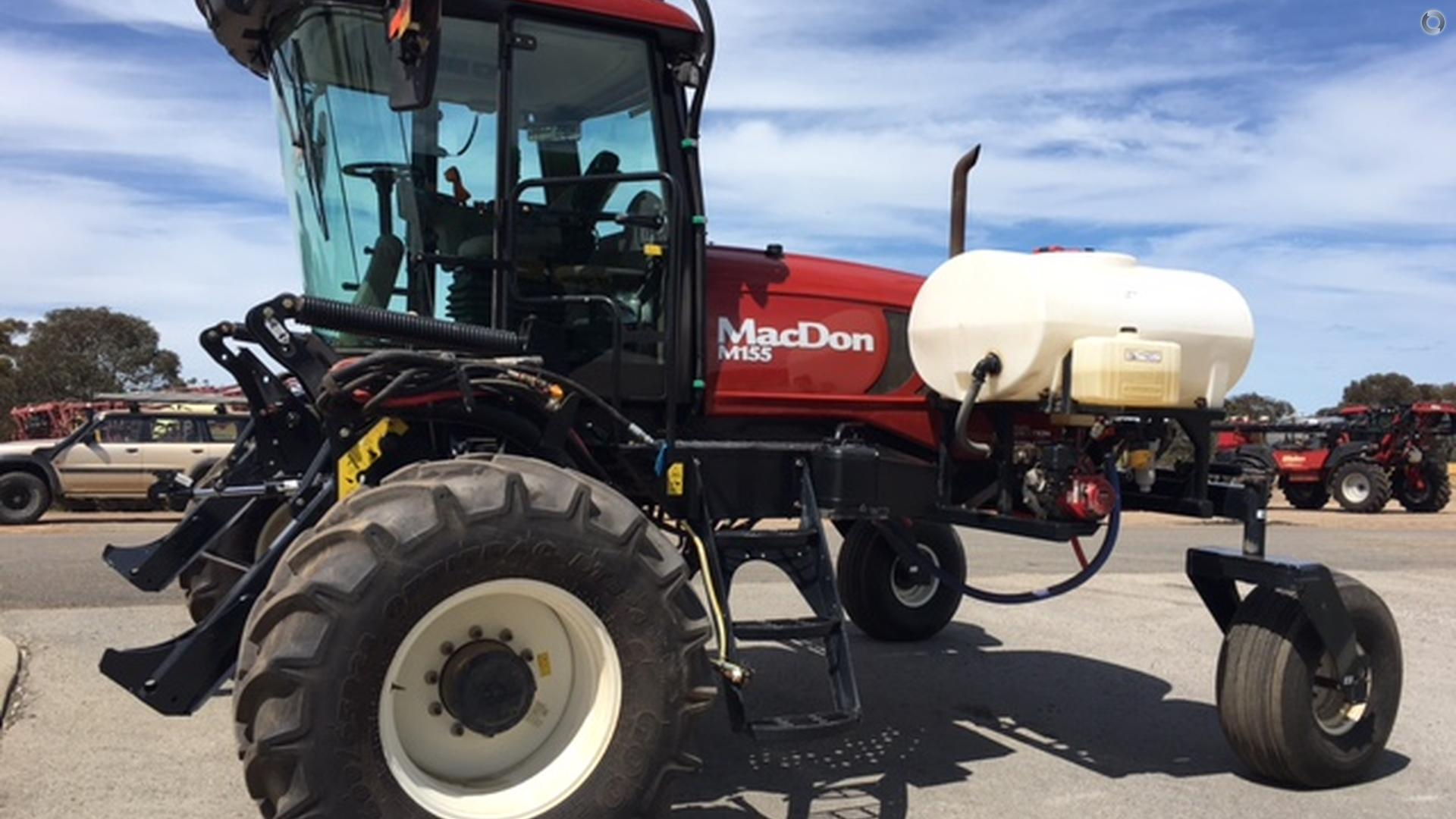 2015 MacDon M155 SP Windrower