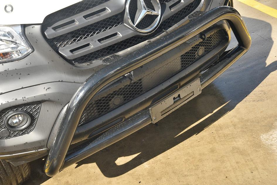2018 Mercedes-Benz X 220 D PURE Cab Chassis