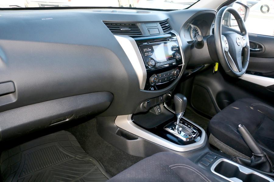 2015 Nissan Navara ST D23