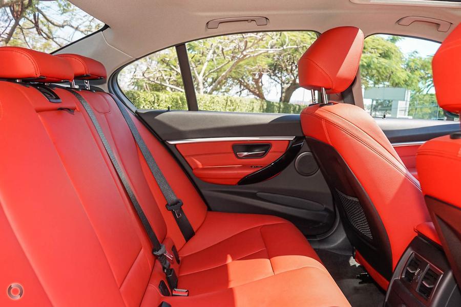 2015 BMW 318i Sport Line