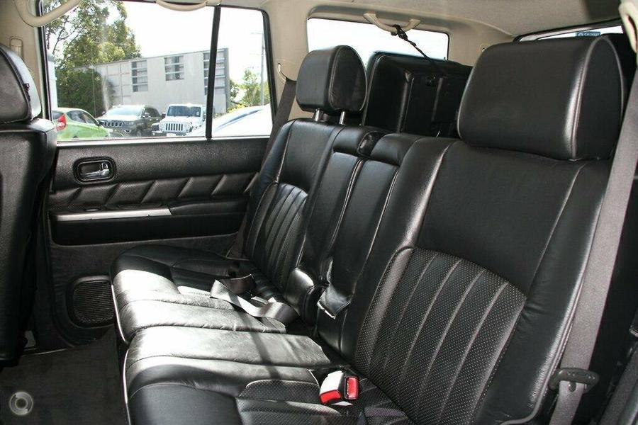 2013 Nissan Patrol ST Plus