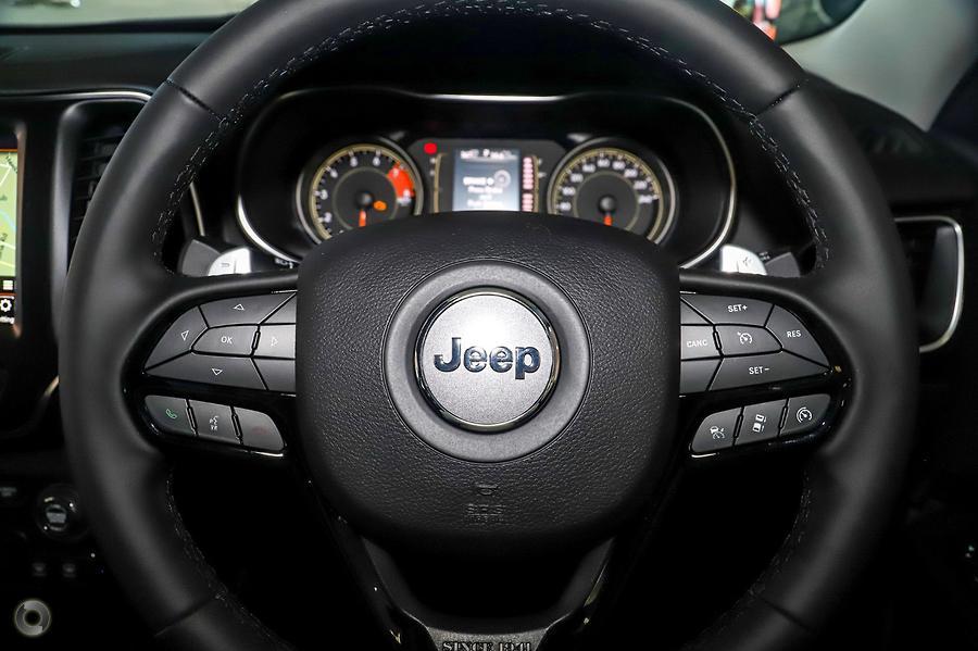 2019 Jeep Cherokee Night Eagle KL