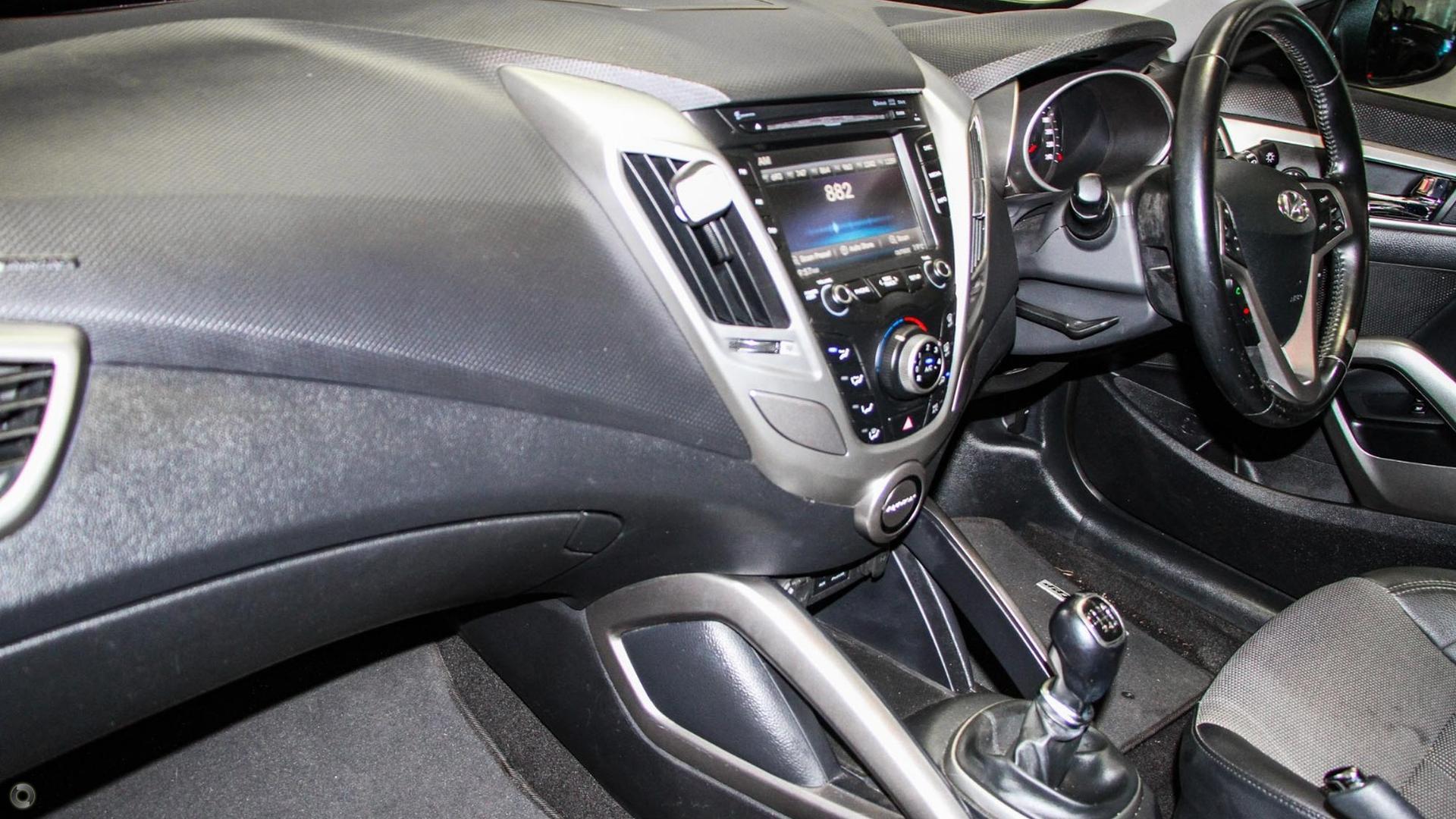2013 Hyundai Veloster + FS2