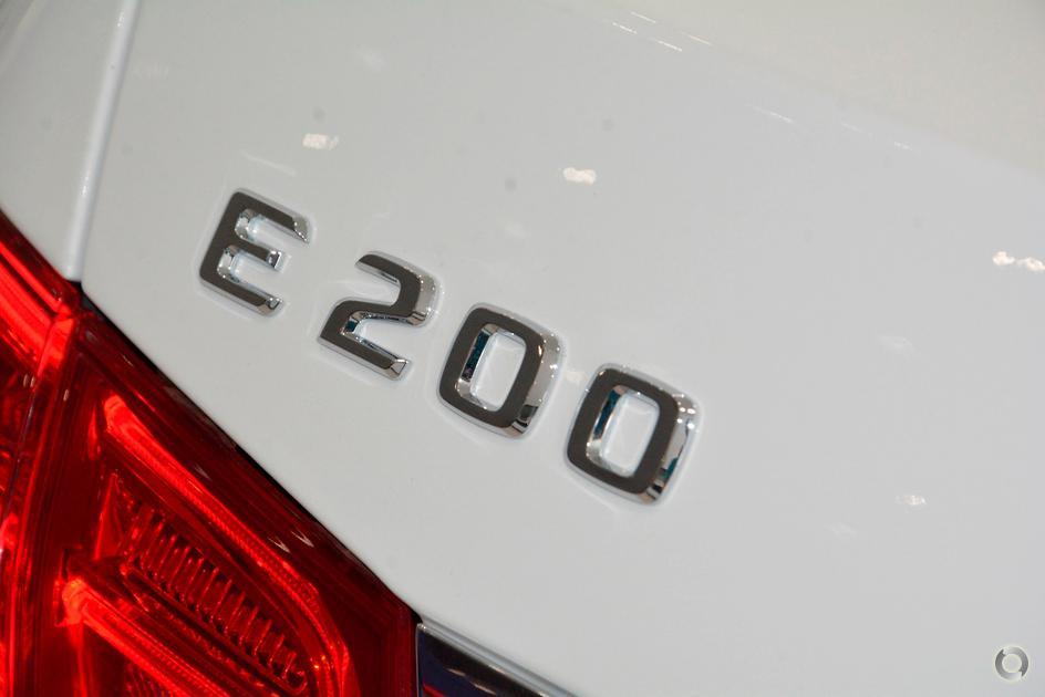 2013 Mercedes-Benz E 200 Sedan