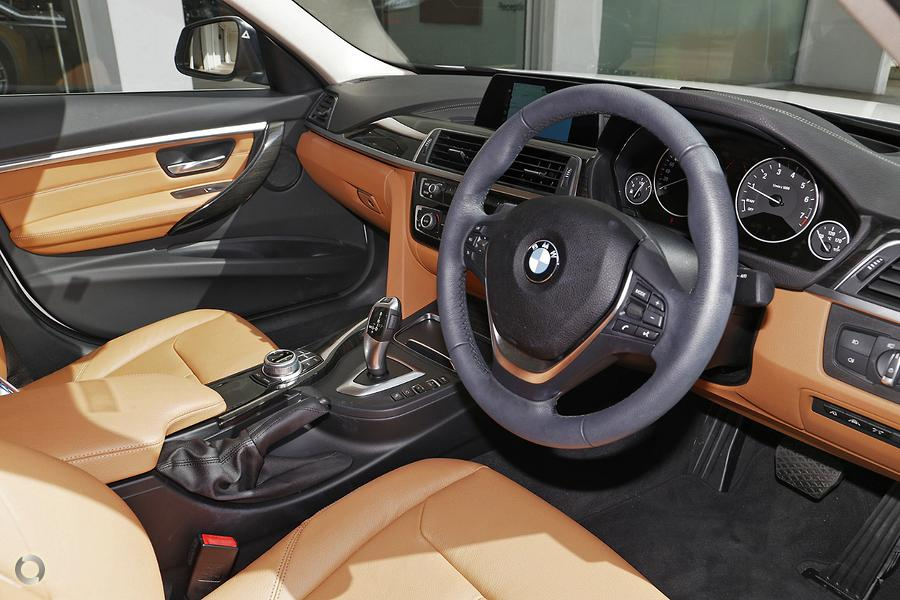 2018 BMW 318i Luxury Line