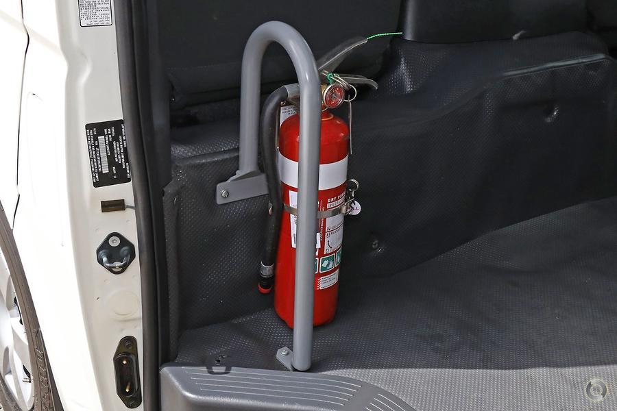 2016 Toyota Hiace Commuter TRH223R