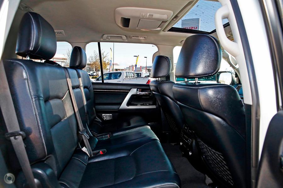 2014 Toyota Landcruiser Sahara VDJ200R