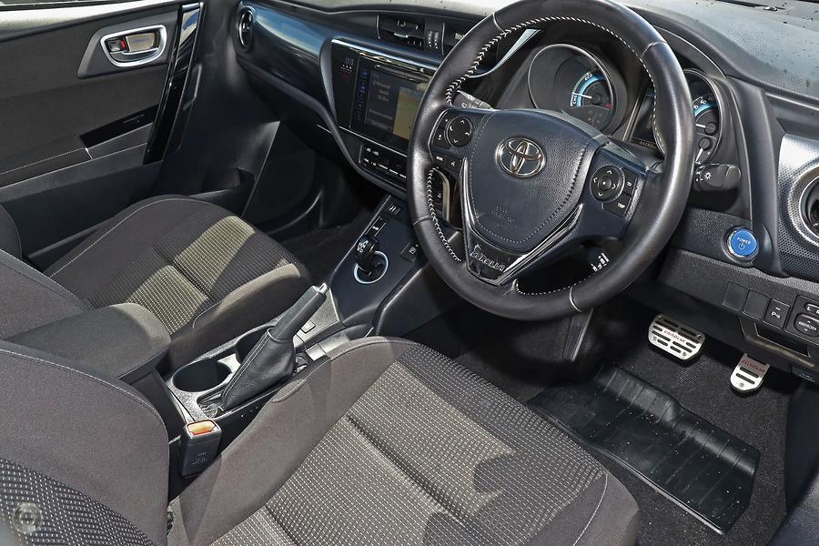 2016 Toyota Corolla Hybrid ZWE186R