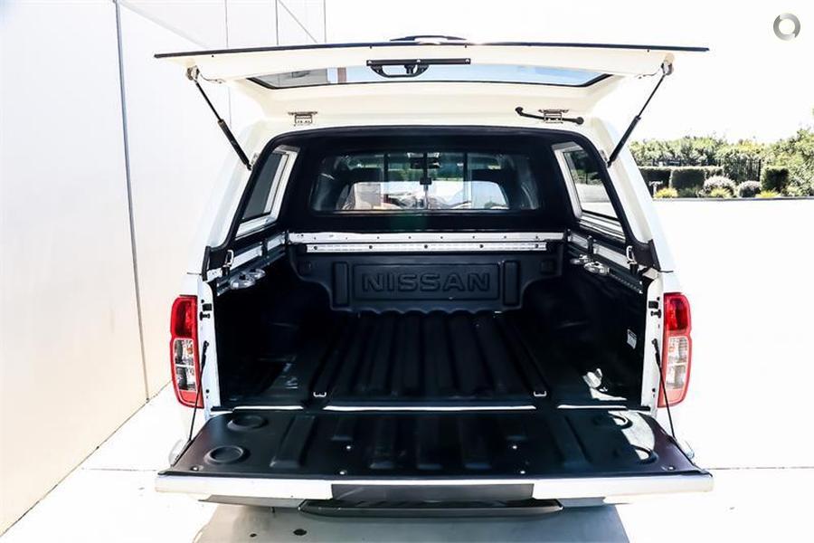 2011 Nissan Navara ST-X D40 Series 5