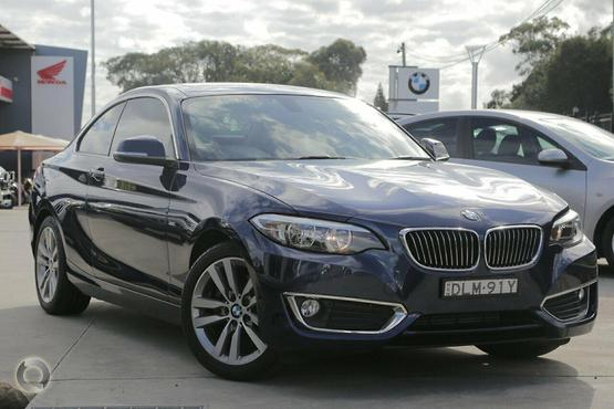 2015 BMW 220 i Luxury Line
