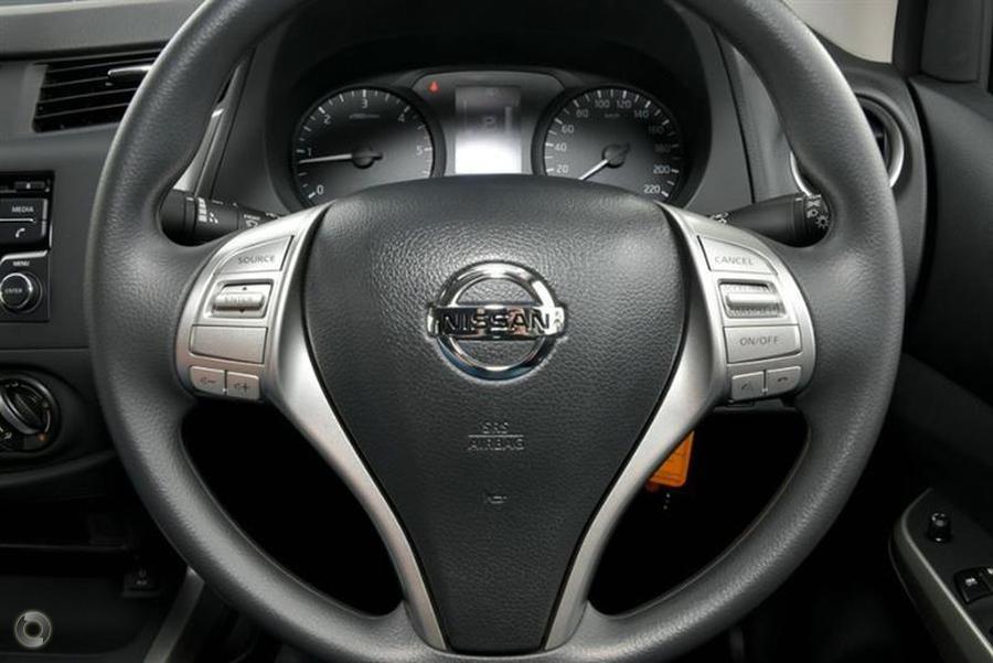 2017 Nissan Navara RX