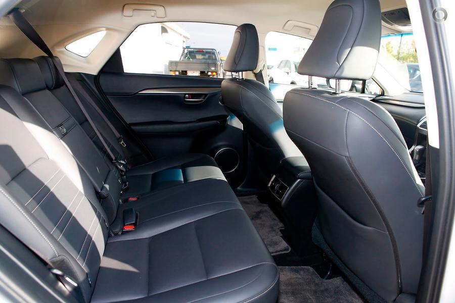 2016 Lexus NX NX300h Luxury AYZ10R