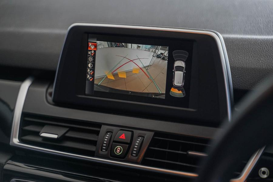 2014 BMW 218i Sport Line