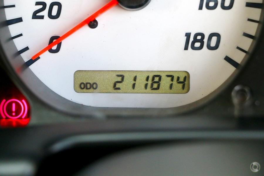 2006 Nissan Navara ST-R D22 S2