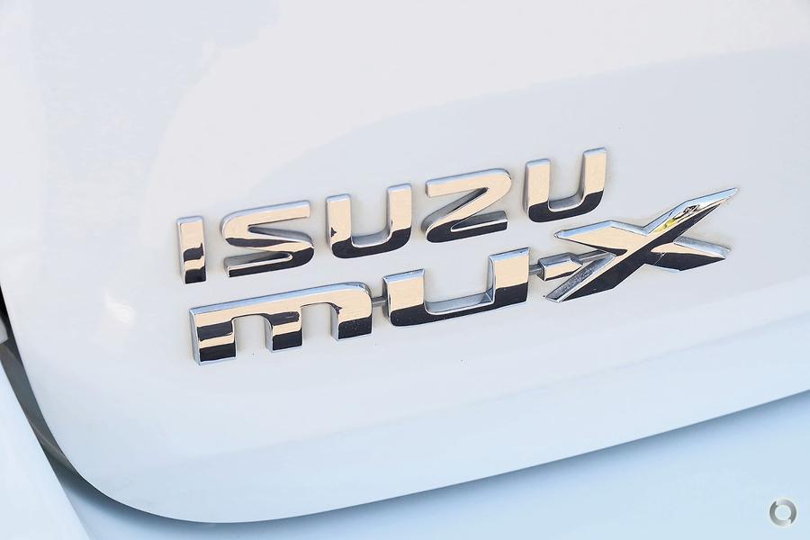 2016 Isuzu MU-X LS-M