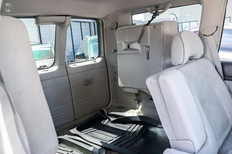2004 Nissan Patrol ST