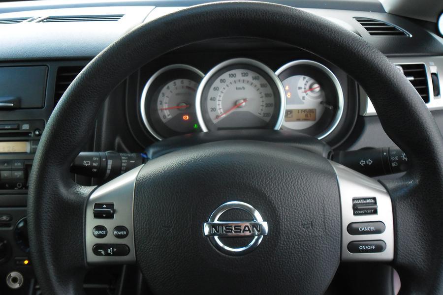 2010 Nissan Tiida ST C11 S3