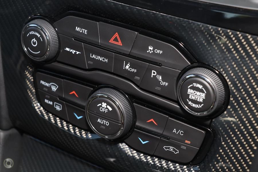 2019 Chrysler 300 SRT LX