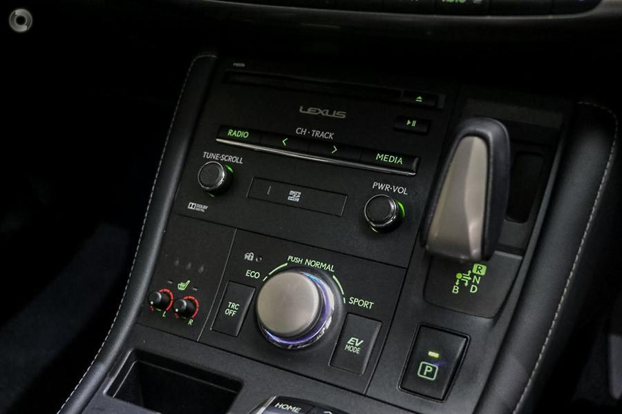 2015 Lexus Ct CT200h Luxury ZWA10R