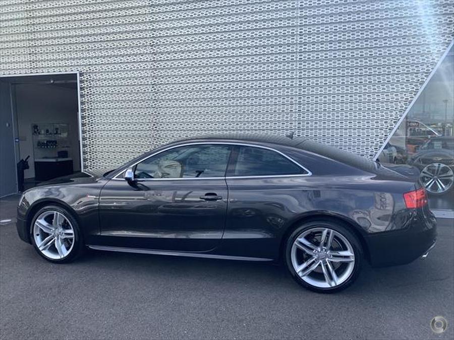 2013 Audi S5  8T