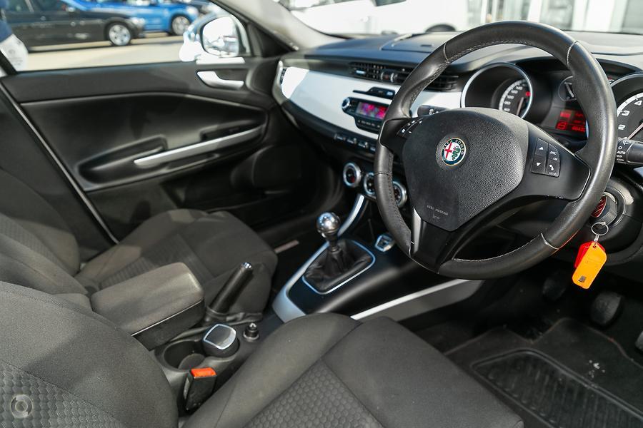 2014 Alfa Romeo Giulietta Progression
