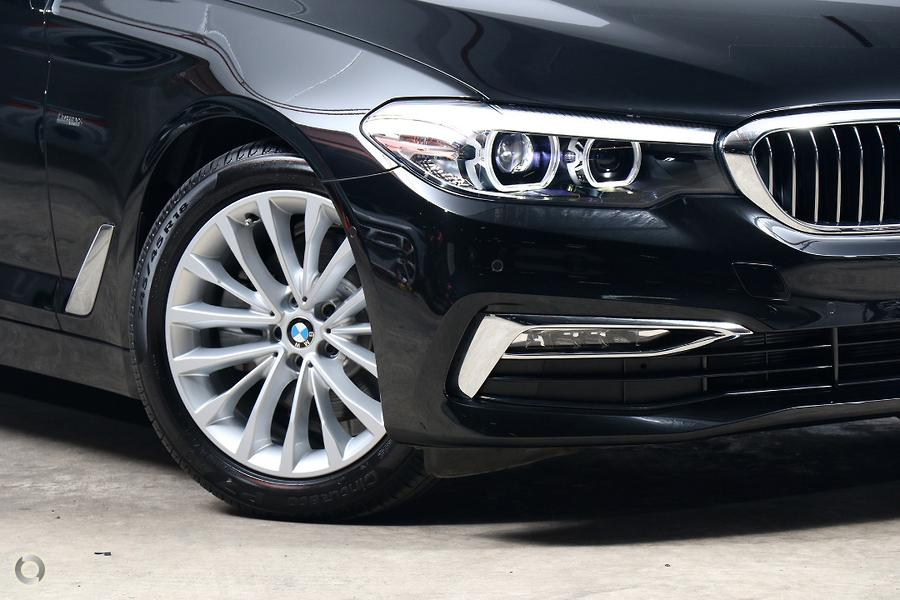 2018 BMW 5 Series 520i Luxury Line
