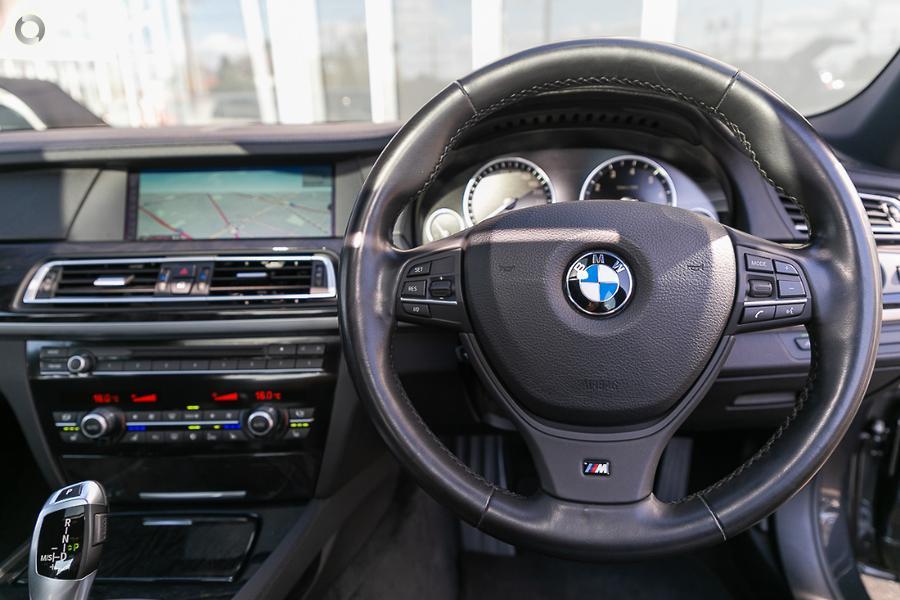 2010 BMW 740i