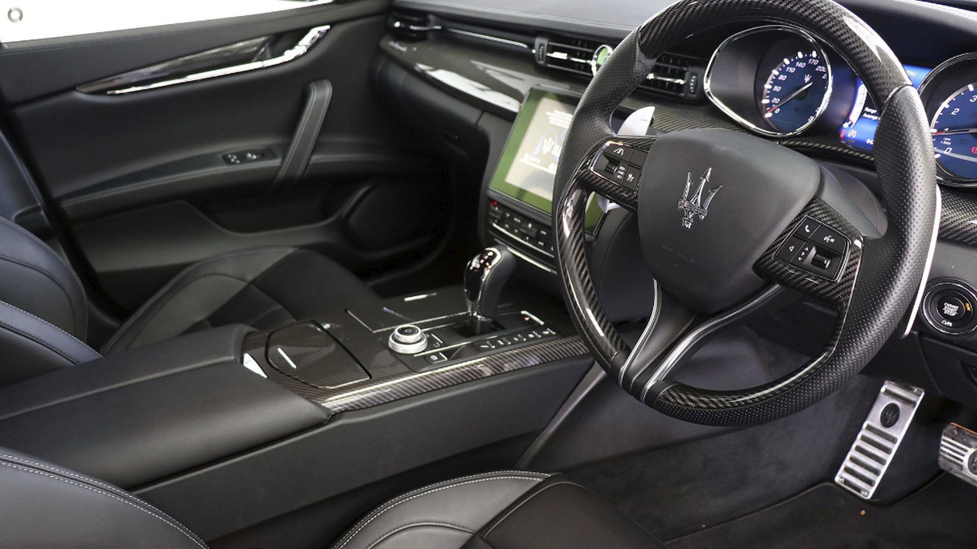 2017 Maserati Quattroporte GTS GranSport M156