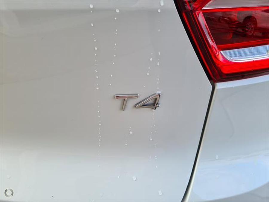 2018 Volvo XC40 T4 Momentum