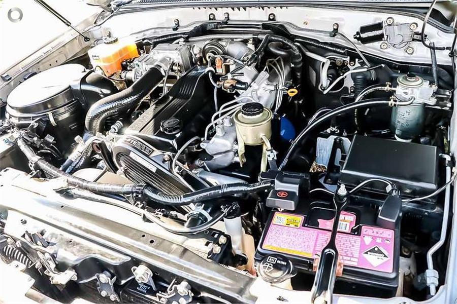 2003 Toyota Landcruiser GXL HDJ100R