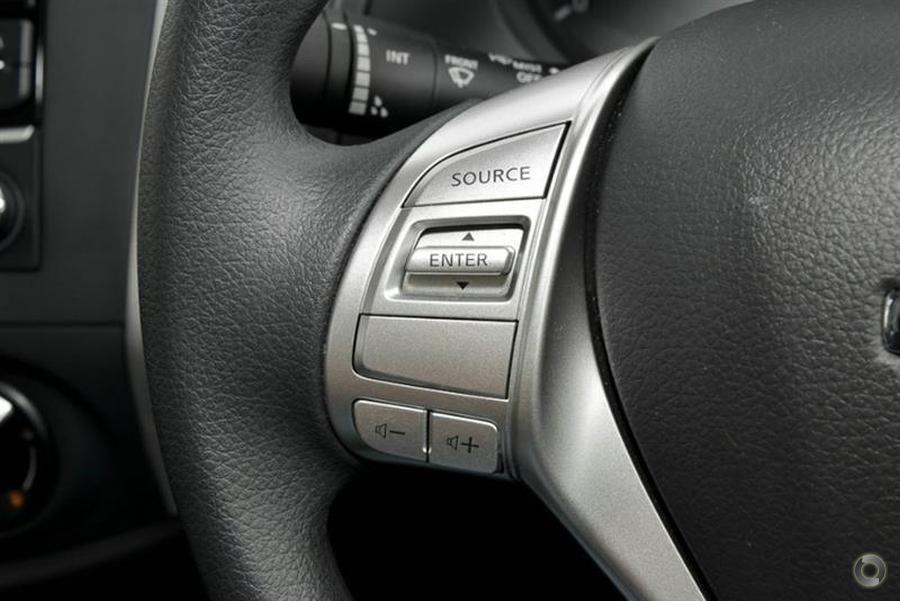 2019 Nissan Navara RX