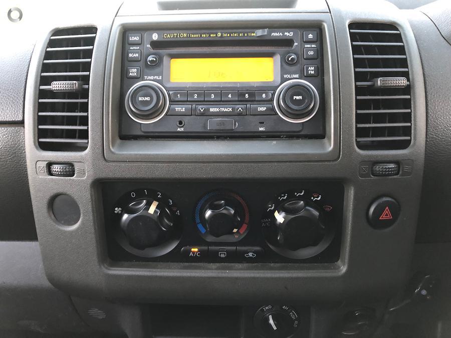 2012 Nissan Navara ST-X