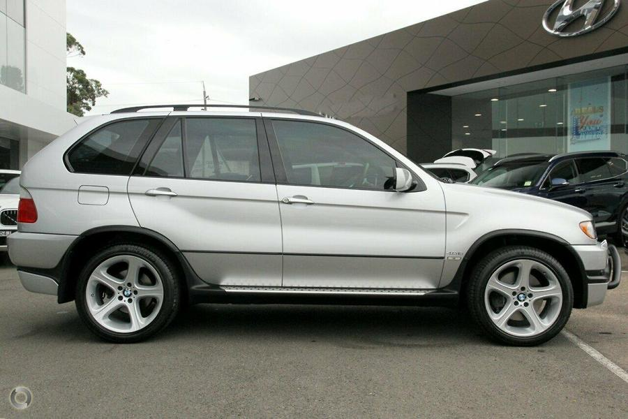 2003 BMW X5 is