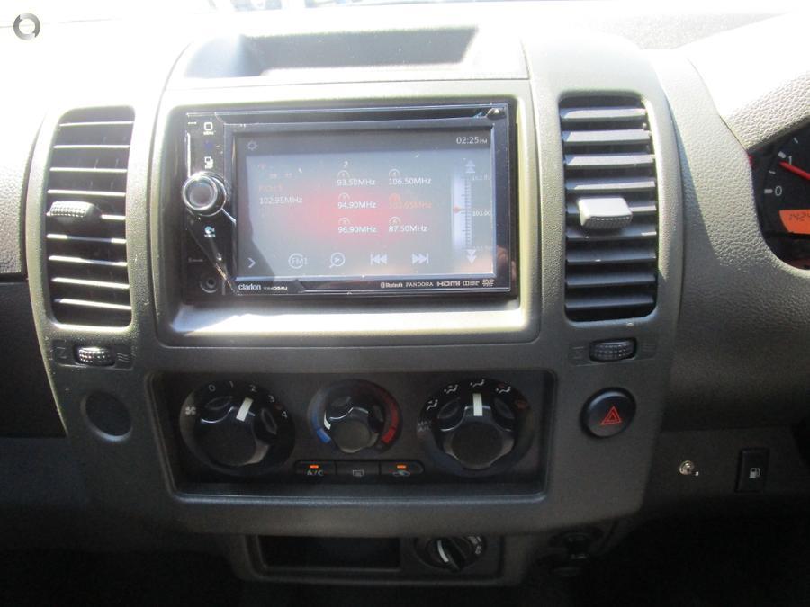 2013 Nissan Navara ST-X D40 Series 8