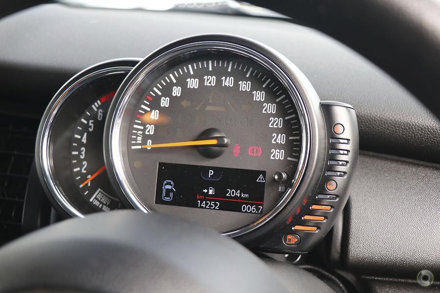 2016 MINI Hatch One F55